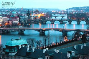 01_prague_bridges_110916586